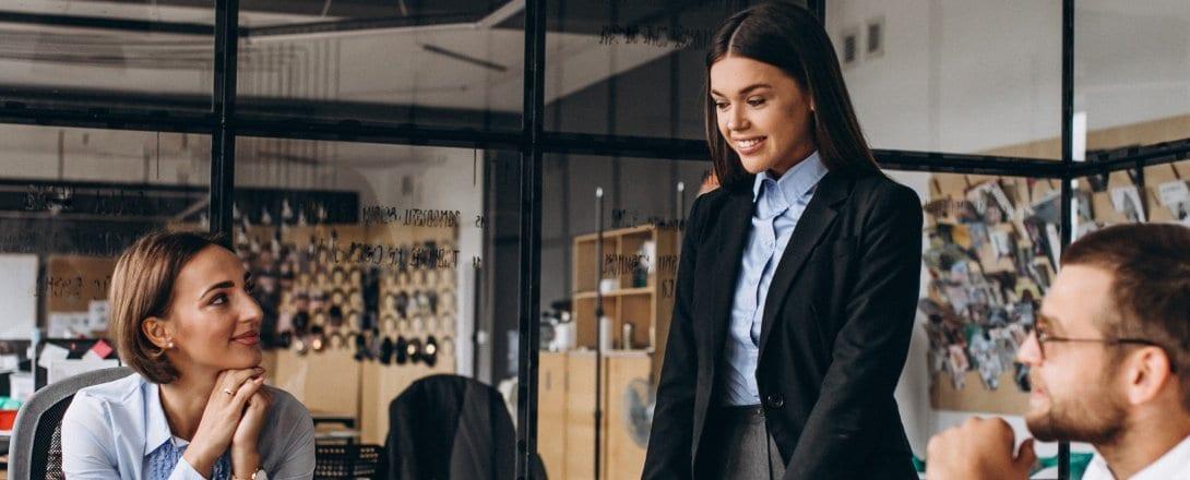 El papel de las empresas en la reducción de la brecha salarial de género